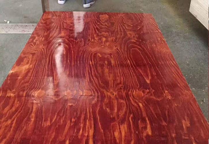 板面光滑的广西模板