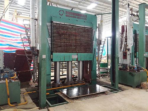 广西模板热压机器